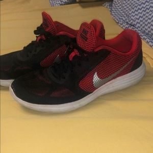 Nike Revolution 3 Men Sneakers